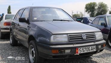 Продаю срочно  Volkswagen Vento В отличном состоянии!!!